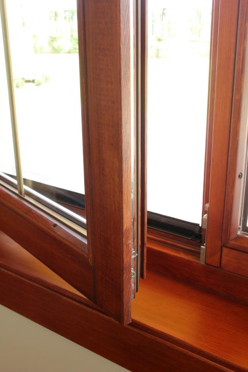 wartung von holzfenstern unsere tipps rumpfinger. Black Bedroom Furniture Sets. Home Design Ideas